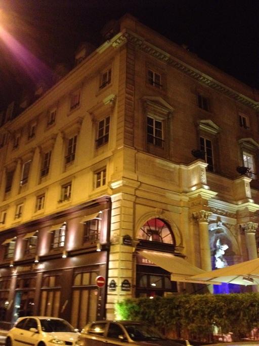 la fontaine gaillon, gerard depardieu, paris, france, the best dress up
