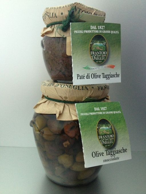 olive, olives, taggiasca olives, frantoio di santa agata d'oneglia the best dress up