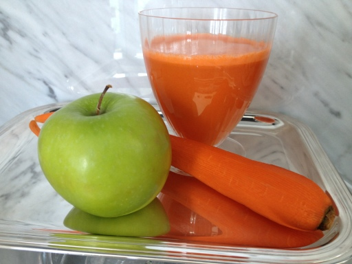 carrots, apple, juicing, fruit and vegetable juices, juice