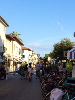 forte dei marmi, italy, the best dress up